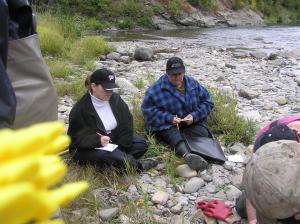 C'est très important d'enregistrer le poids du saumon quand t le capture pour faire certain que tu ne capture pas des saumons tr