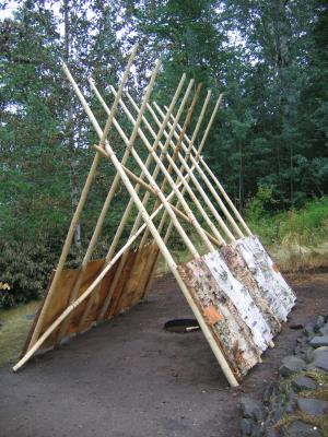 These birch bark wigwams could be easily taken down and carried over long distances. This ensured that Mi'gmaq families could tr